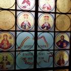 Icoane folie vitralii aplicate pe geam
